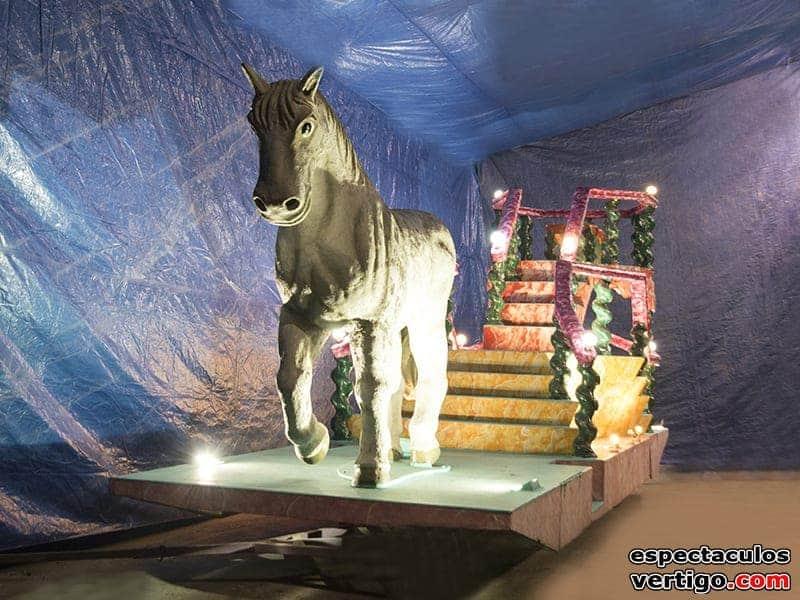 01-Trono-con-caballo