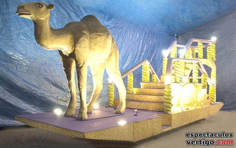 02-Carroza-trono-con-camello