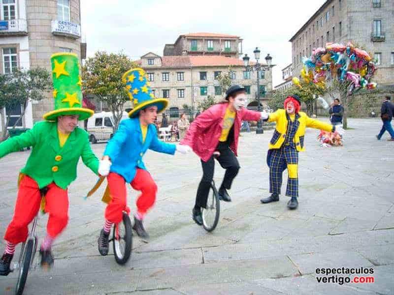 03-Monociclistas