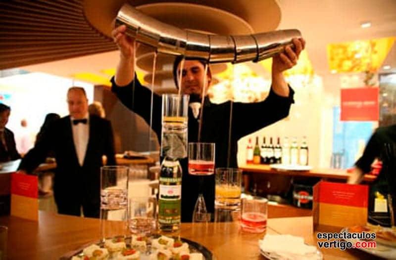 04-Barman-Acrobatico