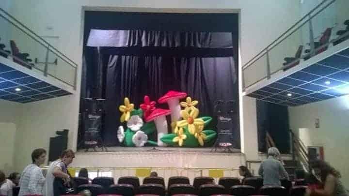 Teatro con fiesta familiar